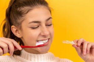 kiedy do ortodonty oznaki 300x200 Kiedy wybrać się do ortodonty? Poradnik